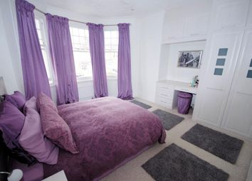 Thumbnail 2 bed flat to rent in Windsor Road, Finchley