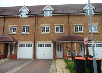 Thumbnail 3 bed town house to rent in Watling Gardens, Dunstable