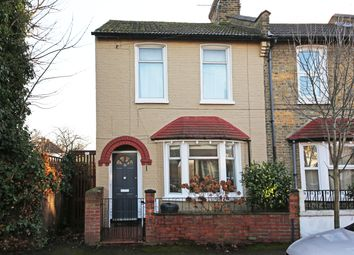 2 bed end terrace house to rent in Meadow Road, Wimbledon SW19