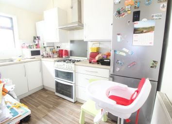 Thumbnail 2 bed flat to rent in Powney Road, Maidenhead