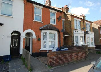 Thumbnail 2 bedroom flat to rent in Shakespeare Drive, Westcliff-On-Sea