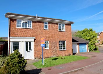 Thumbnail 2 bedroom maisonette for sale in Summerfields, Locks Heath, Southampton