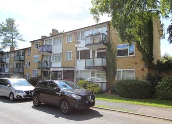 Thumbnail 2 bed flat for sale in Chaulden House Gardens, Boxmoor Borders, Hemel Hempstead