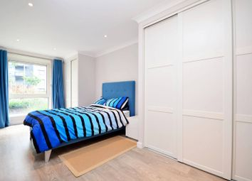 Thumbnail 2 bedroom flat for sale in Boardwalk Place, Canary Wharf