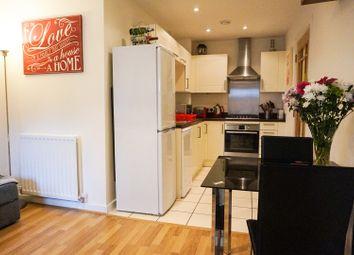 Thumbnail 2 bedroom flat for sale in 151 Croydon Road, Caterham