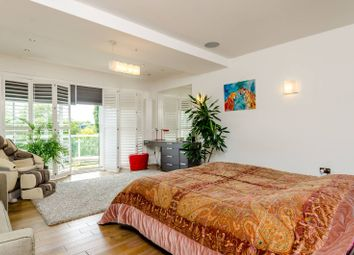 Thumbnail 4 bed flat for sale in Kew Bridge Road, Kew Bridge