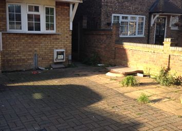 Thumbnail 6 bed semi-detached house to rent in Victor Court, Rainham