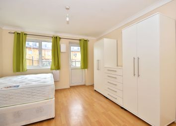 Thumbnail Room to rent in Hillview Drive, Thamesmed