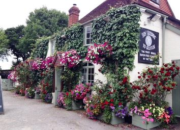 Thumbnail Pub/bar for sale in Winsor Road, Hampshire: Copythorne
