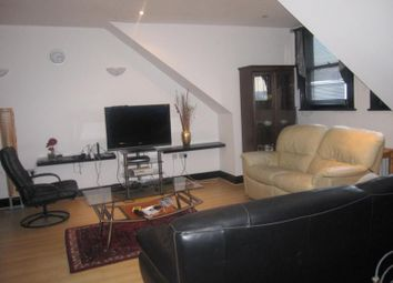 Thumbnail 2 bed flat to rent in Ross Road, London