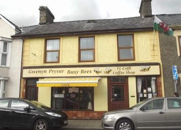 Thumbnail Restaurant/cafe for sale in 20 High Street, Penrhyndeudraeth