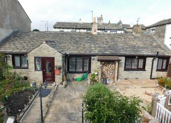 Thumbnail 4 bed cottage for sale in Beacon Road, Bradford