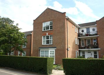 Thumbnail 2 bed flat to rent in Finlay House, Phyllis Court Drive, Henley-On-Thames, Oxfordshire
