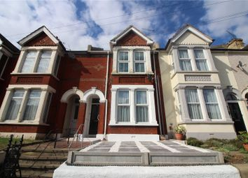 Thumbnail 1 bed flat to rent in Old Road West, Gravesend, Kent
