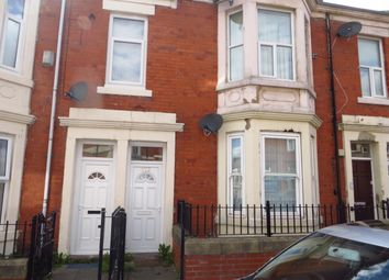 Thumbnail 3 bedroom flat to rent in Farndale Road, Benwell