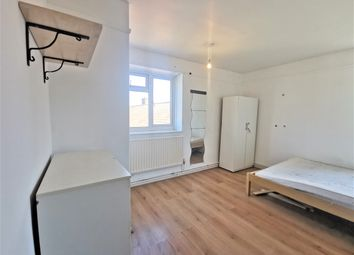 Thumbnail 4 bed shared accommodation to rent in Colney Hatch Lane, London