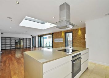 Thumbnail 2 bedroom flat for sale in Princelet Street, London