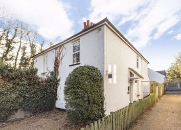 2 bed property to rent in Rushett Close, Thames Ditton KT7