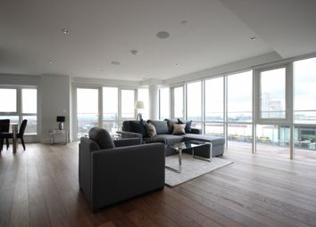 3 bed flat to rent in Skyline House, Dickens Yard, Longfield Avenue, London W5