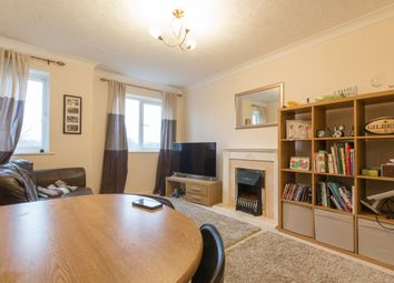 Thumbnail 2 bedroom flat to rent in Jubilee Court, Thatcham, Berkshire