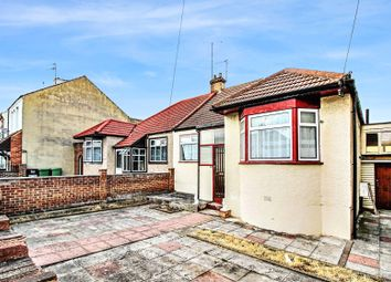 3 bed bungalow to rent in Sydney Road, London SE2
