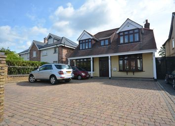 Slewins Lane, Hornchurch RM11. 3 bed detached house