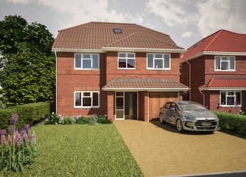 Thumbnail 6 bed detached house for sale in Felstead Way, Luton
