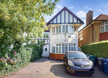 Golders Green Road, London NW11. 1 bed flat