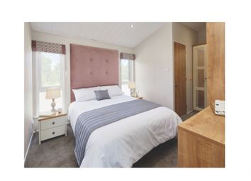 2 bed lodge for sale in Swallow Lakes, Gloucestershire GL17
