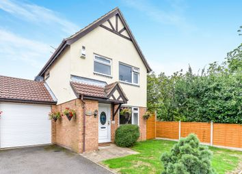 Thumbnail 3 bed detached house for sale in Farmbrook, Luton