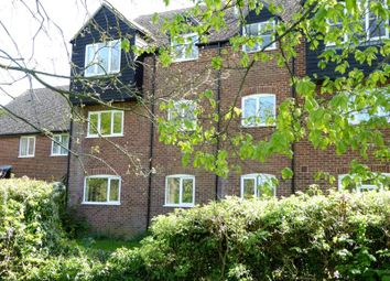 Thumbnail 2 bedroom flat to rent in Saffron Close, Newbury