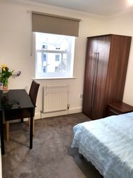 Thumbnail Room to rent in Warburton Close, London