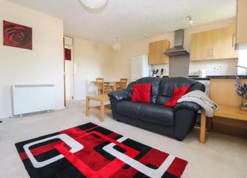 Thumbnail 2 bed flat to rent in Yarmouth Gardens, Shirley, Southampton