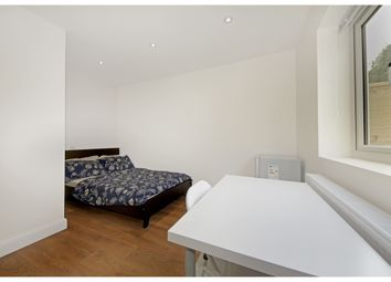 Thumbnail 6 bed flat to rent in Old Oak Common Lane, London