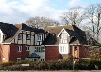 Thumbnail 2 bed flat to rent in Stangrove Road, Edenbridge
