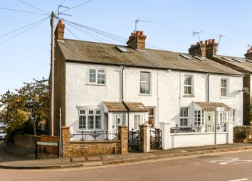Thumbnail 2 bedroom cottage to rent in Heronsgate Road, Chorleywood, Rickmansworth