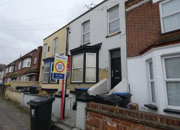 2 bed flat to rent in Alexandra Road, Margate CT9
