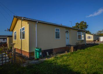 Thumbnail 2 bed mobile/park home for sale in Woodside Park Homes, Woodside, Luton