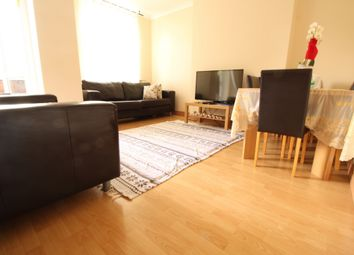 Thumbnail 2 bed flat to rent in Knightland Road, London