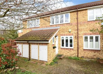 2 bed property for sale in Columbia Avenue, Ruislip, Middlesex HA4
