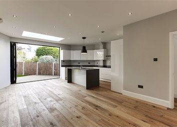 Thumbnail 5 bed terraced house to rent in Crescent Rise, London