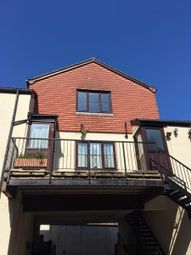 2 bed flat to rent in Beach Street, Dawlish EX7