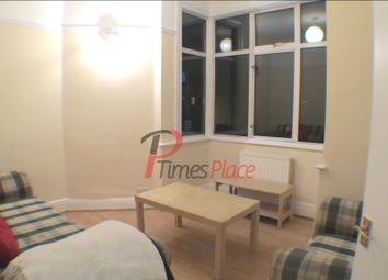 Thumbnail 3 bed flat to rent in Cavendish Road, Collierswood