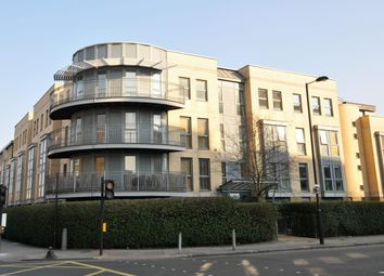 Thumbnail 3 bedroom flat for sale in Southgate Road, Islington, London