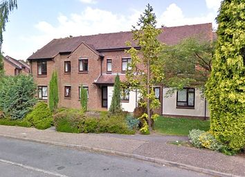 2 bed flat to rent in Gorringes Brook, Horsham RH12