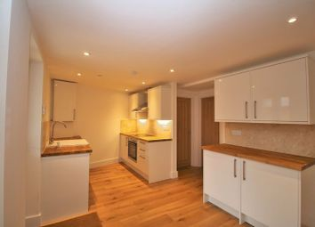 Thumbnail 2 bedroom flat to rent in North Street, Thame