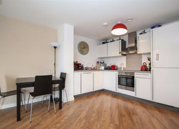 Thumbnail 2 bed flat to rent in Willow Place, London