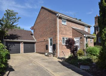 Thumbnail 4 bed detached house for sale in Stoneham Close, Petersfield, Hampshire