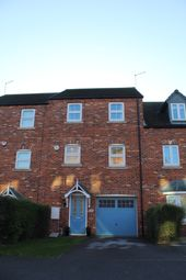 4 bed terraced house for sale in Daycroft, Barnsley S71