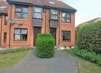 1 bed flat to rent in Chapelmount Road, Woodford Green IG8